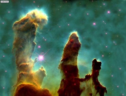 Captura 1: La NASA dio a conocer una nueva foto de los Pilares de la Creación (1995), nube de gas en que nacen estrellas y parte de la Nebulosa del Águila (AFP). La fotografía fué tomada por el telescopio Hubble :)